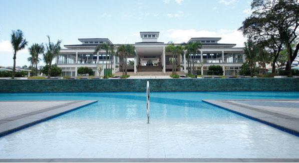 grass-pool